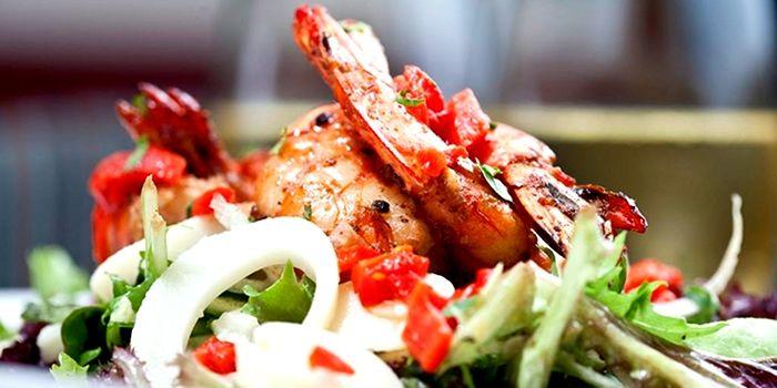 prawn & avocado salad scirocco hong kong soho