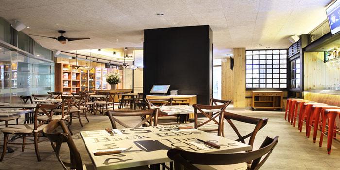 Interior of The Chop House (VivoCity) in Vivocity, Singapore