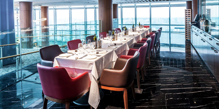 Interior of Salt grill & Sky Bar at ION Orchard, Singapore