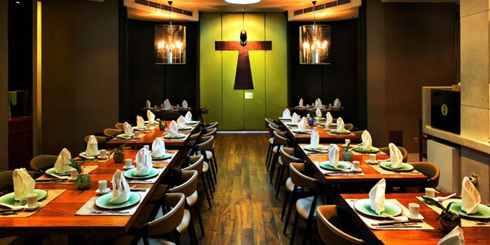 Majestic restaurant chope restaurant reservations for Dining room zomato jkt