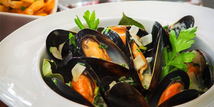 Mussels from Taratata Bistrot serving French cuisine in Chinatown, Singapore