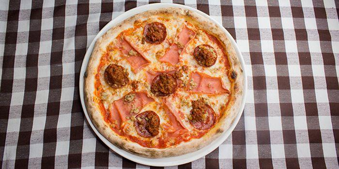 Pizza Con Carne from Al Forno Italian Restaurant in East Coast, Singapore