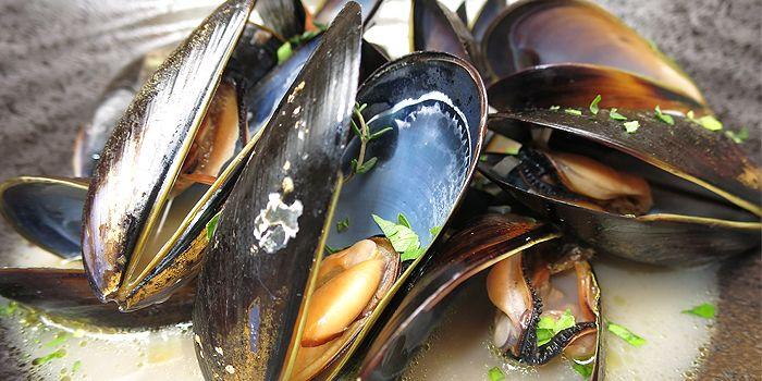 Mussels Marinieries, Aberdeen Street, Central, Hong Kong