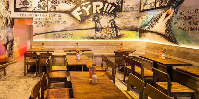 Dining Area of FYR Cycene Ond Drinc in Raffles Place, Singapore