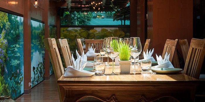 Dining Area of Siam Wisdom in Upper Sukhumvit, Bangkok