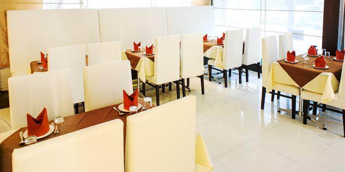 Dining Area from Myra (Indian Pur Vegaterian Restaurant) on Sukhumvit soi 22