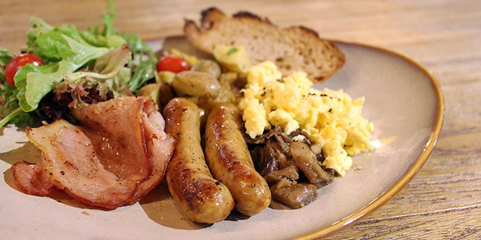 Breakfast with Sausages from Laurent