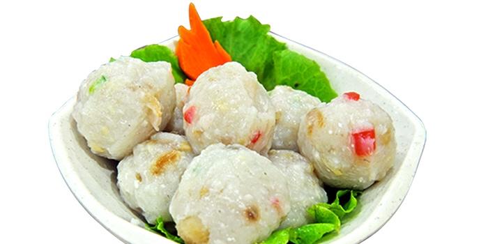 Meatballs from JinJi Teochew Steamboat Restaurant (Joo Chiat) in Joo Chiat, Singapore