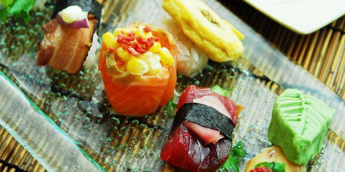 Sushi from Shin Minori Japanese Restaurant @ UE Square in Robertson Quay, Singapore