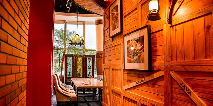 Second Floor Seating of Bali Bistro & Balini Coffee in Jing