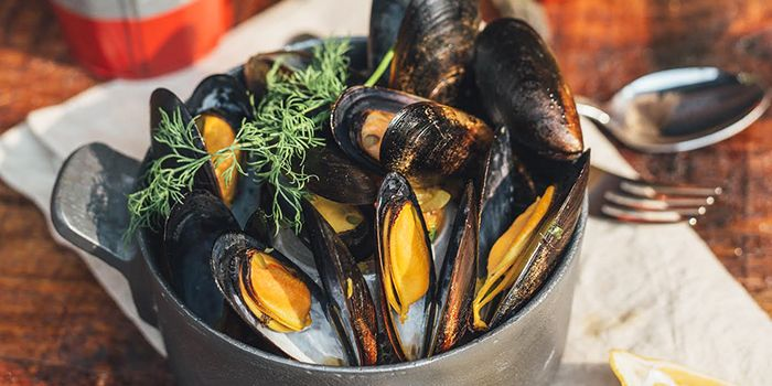 Mussels from Spize (Rifle Range) in Bukit Timah, Singapore