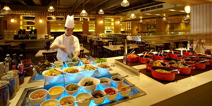 Buffet Counter in Spice Brasserie in Little India, Singapore