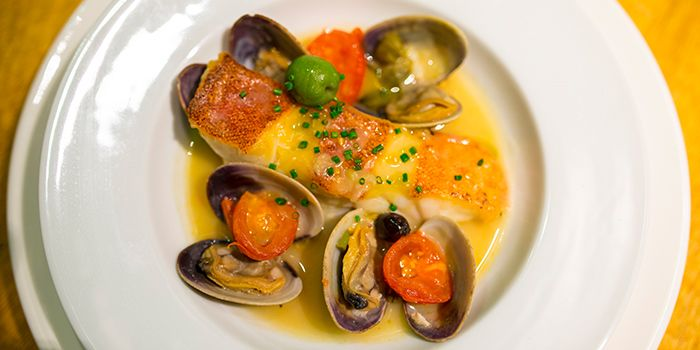 Fish and Mussels from terra in Tanjong Pagar, Singapore