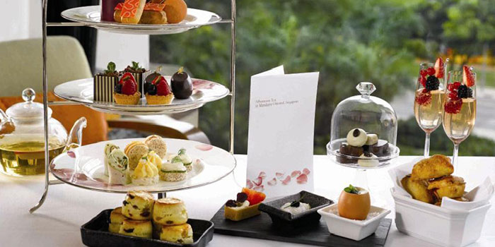 Afternoon Tea at Axis Bar & Lounge in Mandarin Oriental in City Hall, Singapore