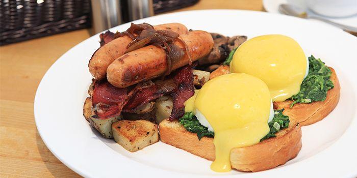 Champion Breakfast from The Fabulous Baker Boy in Clarke Quay, Singapore