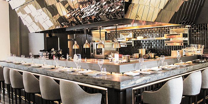 Olivia cassivelaun fancourt ocf chope restaurant for Cloud kitchen beijing