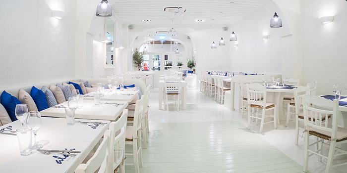 Dining Area of Alati Divine Greek Cuisine in Tanjong Pagar, Singapore