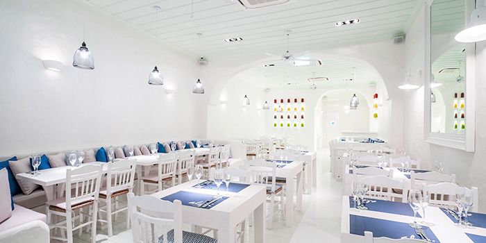 Alati divine greek cuisine chope restaurant reservations for Cloud kitchen beijing