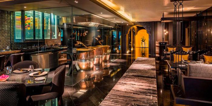 Dining Area from Maya Restaurant & Bar at Holiday Inn Sukhumvit, Bangkok