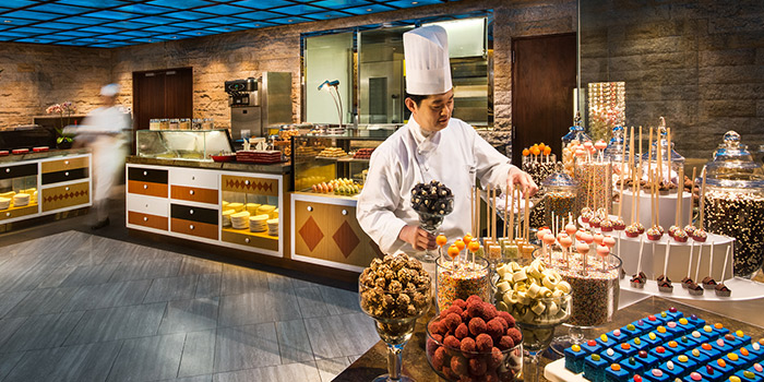 Dessert Station at Edge at Pan Pacific Singapore in Promenade, Singapore