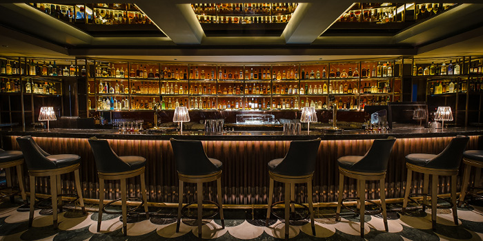 Bar Counter in Manhattan in Regent Singapore, Tanglin, Singapore