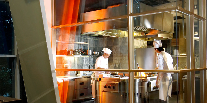 Show Kitchen in 10 at Claymore at Pan Pacific Orchard in Orchard, Singapore