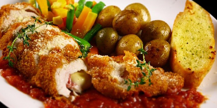 Chicken Cordon Bleu from B