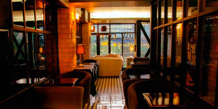 Interior of The Raw Bar in Thonglor, Bangkok