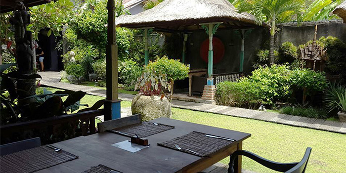 Outdoor Area of L
