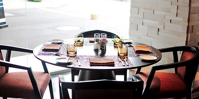Table Setting of Sana Sini (Pullman Hotel) at Pullman Jakarta Indonesia in Thamrin, Jakarta