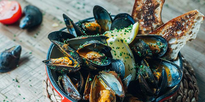 Spanish Mussels with Onion, La Paloma, Sai Ying Pun, Hong Kong