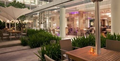 Outdoor dining at Signatures, Kempinski Jakarta