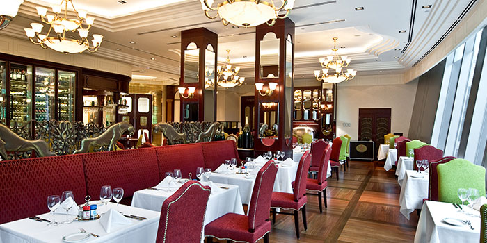 Main Dining Area of Lawry