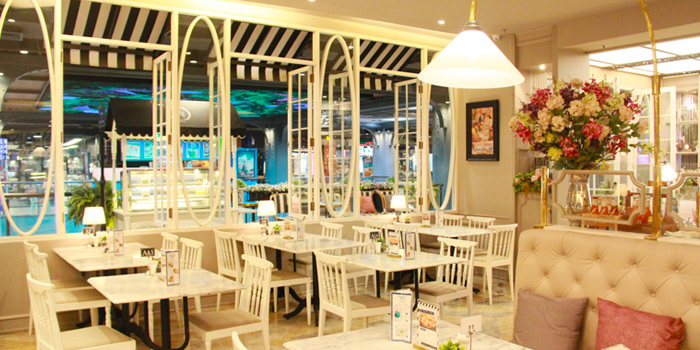 Dining Area from Petite Audrey at Siam Center, Bangkok