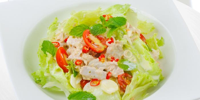 Spicy Tuna Salad from Green Tea Sizzling Roti