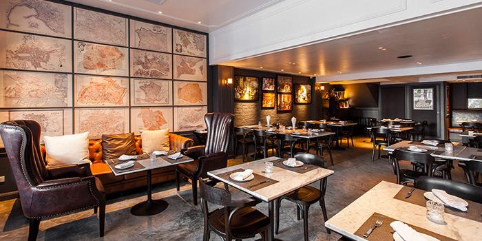 Dining Area from Vesper Cocktail Bar & Restaurant in Silom, Bangkok