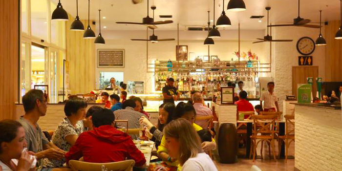 Ambience from Cafe 101 at Jungceylon, Phuket