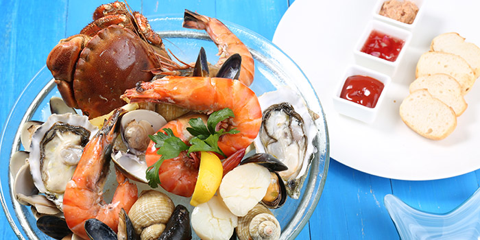 Chilled Seafood Platter, Peak Cafe Bar Olympian City, Tai Kok Tsui, Hong Kong
