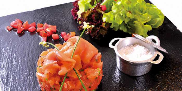 Duo of Beef and Salmon Tartar from Cafe 101 at Jungceylon, Phuket
