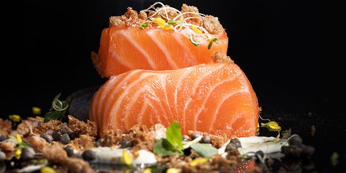 Smoking Raw Sustainable Salmon, Mirage Bar & Restaurant, Wan Chai, Hong Kong