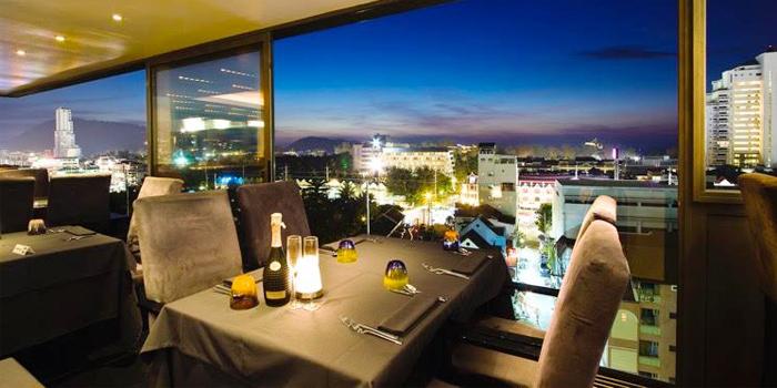 Evening Atmosphere of The 9th Floor restaurant & bar in Sky Inn Condotel Patong Kathu Phuket, Thailand