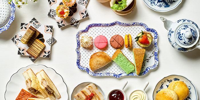 Afternoon Tea from Crossroads Bar in Swissotel Merchant Court in Clarke Quay, Singapore