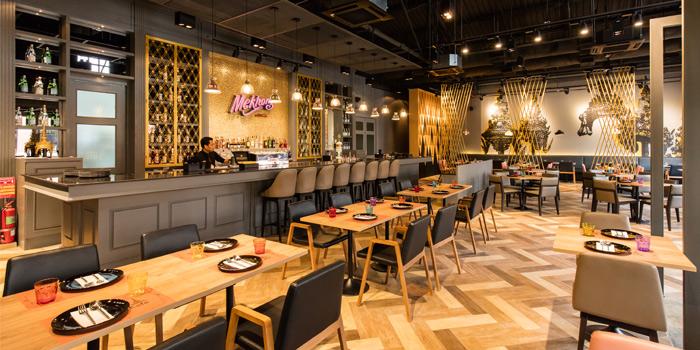 Dining Area from Osha Cafe at Asiatique the Riverfront, Bangkok