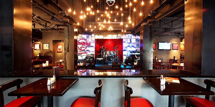 Ambience  from Hard Rock Cafe Bangkok in Siam Square Soi 11, Bangkok