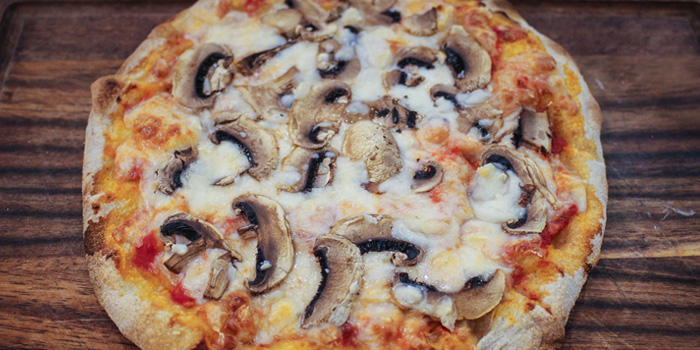 Mushroom Pizza from Pizza King Sukhumvit 49 in Sukhumvit Soi 49, Bangkok