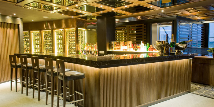 Bar of Tóng Lè Private Dining at OUE Tower in Raffles Place, Singapore