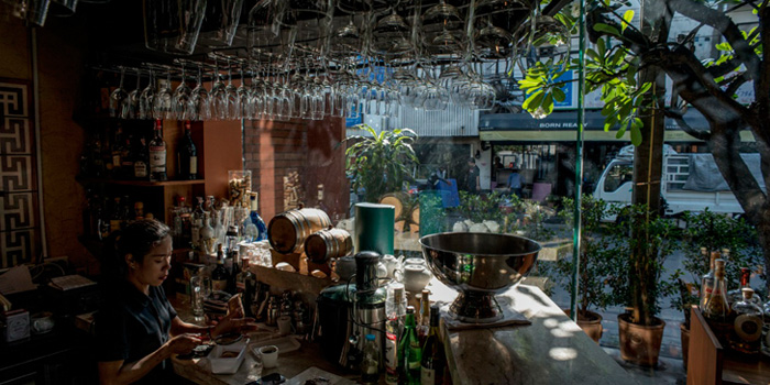 Bar Station from Appia in Sukhumvit Soi 31, Bangkok