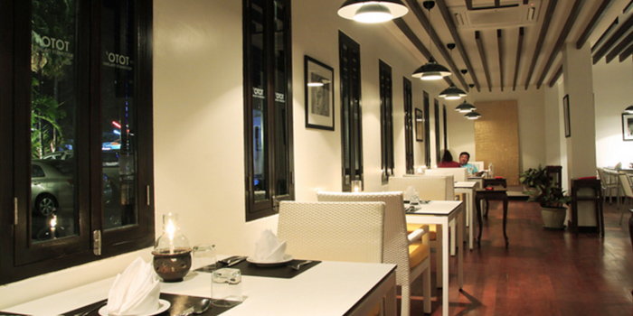 Evening Atmosphere of Toto Ristorante Italiano in Cherngtalay, Talang, Phuket, Thailand