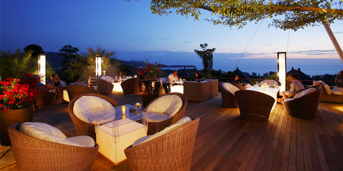 Evening Atmosphere of 360° Bar in Cherngtalay, Thalang, Phuket, Thailand