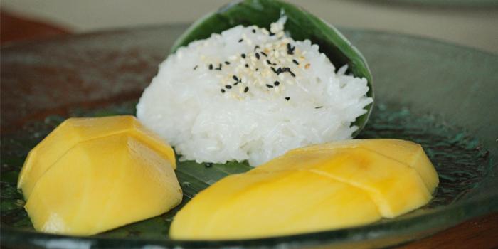 Khao Niew Mamuang from Beach Restaurant in Cherngtalay, Thalang, Phuket, Thailand